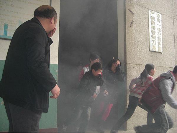 """巧用""""三通两平台""""开展消防安全教育"""