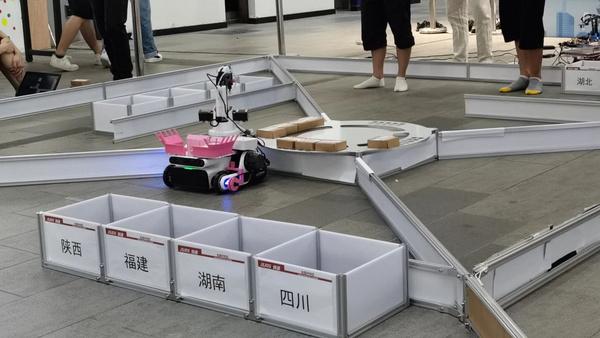 热点|全国A类赛事赛场上大放异彩的LEO智能移动抓取机器人!