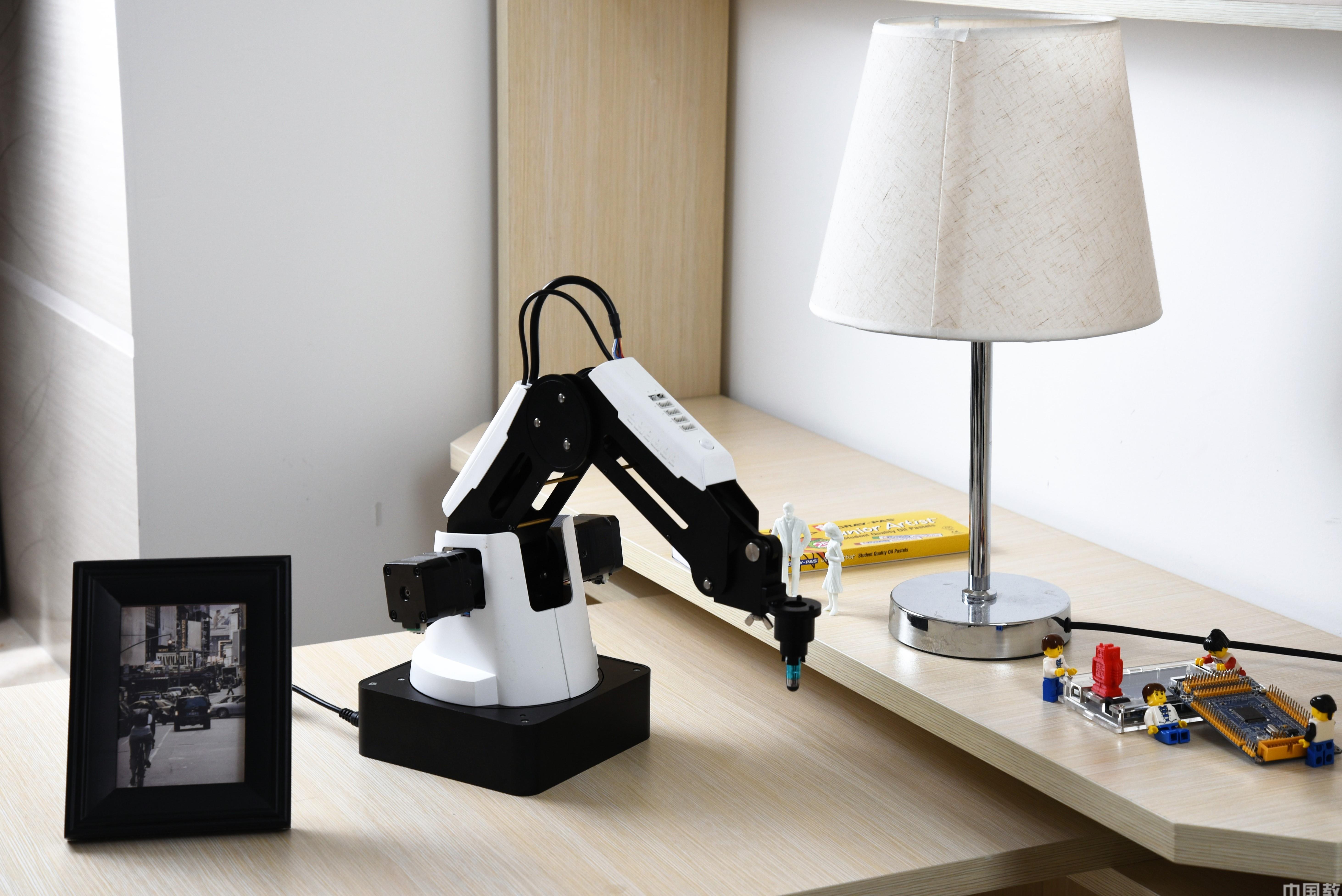 Dobot越疆魔術師機器人